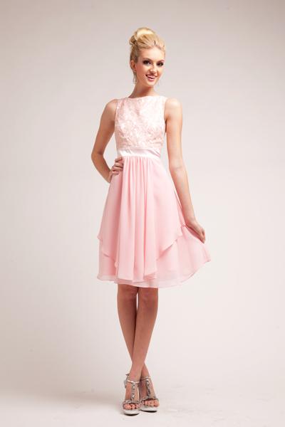 Löydä tyylikäs mekko juhlaan kuin juhlaan!